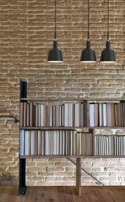 3 lampy wiszące do biblioteczki i ściany z cegieł - czarne