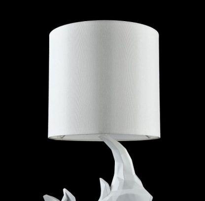 abażur lampy stołowej - rzeźbiony