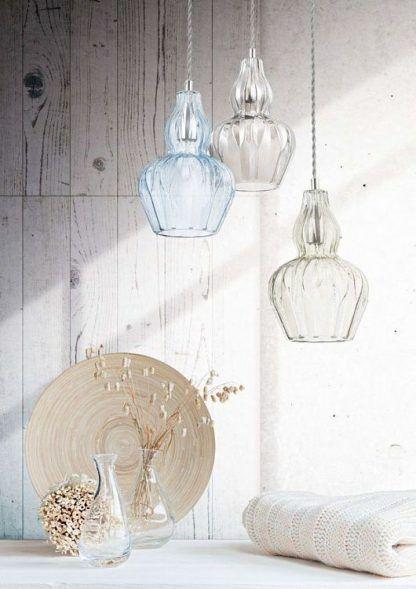 aranżacja pięknych lamp wiszących szklanych do salonu