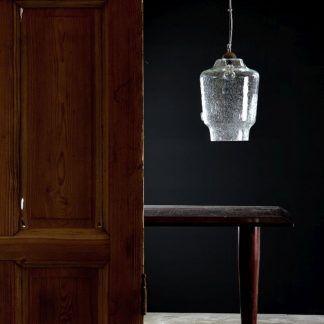 biała lampa szklana bezbarwna do dębowych mebli
