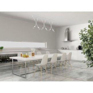 biała lampa wisząca w białej kuchni aranżacja