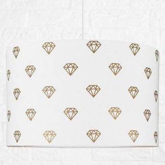 biała lampa wisząca z abażurem w diamenty - dziecko