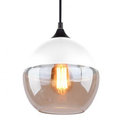 biała lampa wisząca z kremowym szklanym kloszem