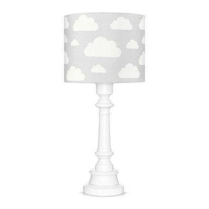 Biała lampa z szarym abażurem w chmurki