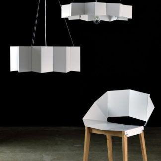 biała stalowa lampa wisząca do salonu