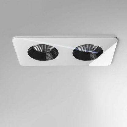 białe oczko sufitowe podwójne - 2 żarówki do łazienki