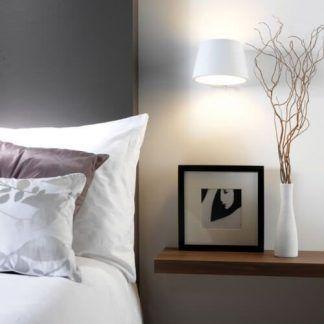 biały okrągły kinkiet aranżacja sypialnia