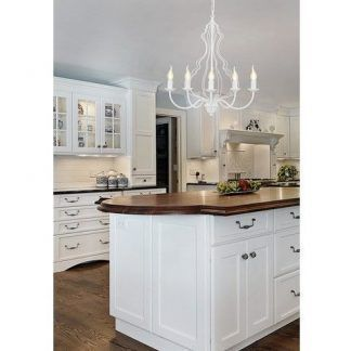 biały żyrandol w kuchni modern classic aranżacja