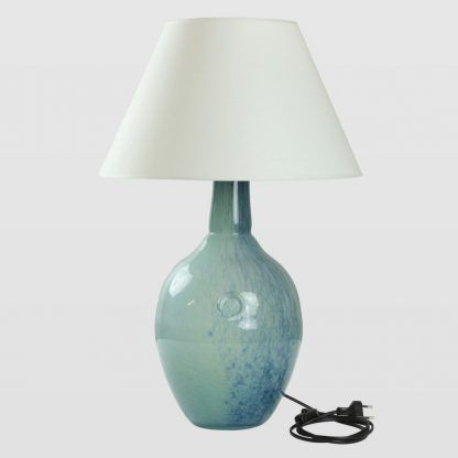 błękitna lampa stołowa szklana z abażurem nowoczesnym