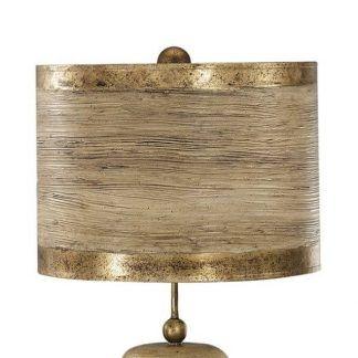 Brązowy drewniany abażur w lampie stołowej