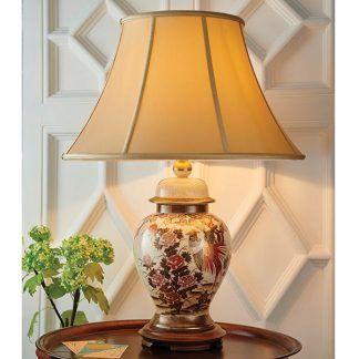 ceramiczna lampa stołowa na strukturalnej ścianie