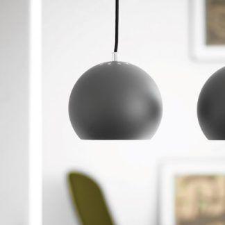Ciemno szara kulista lampa wisząca do salonu
