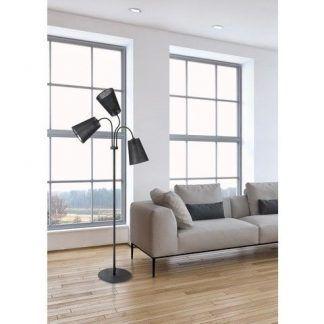 czarna lampa podłogowa nowoczesny salon