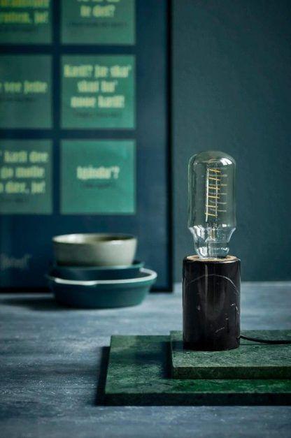 czarna lampa stołowa marmurowa bez klosza