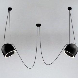 czarna lampa wisząca długie podwieszane przewody