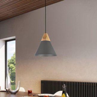 czarna lampa wisząca do kuchni aranżacja