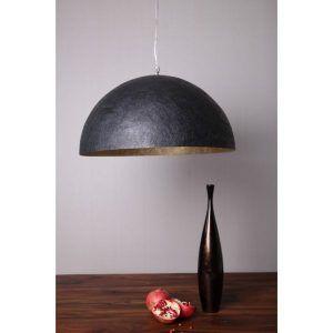 Czarna lampa wisząca półkula wisząca nad stołem