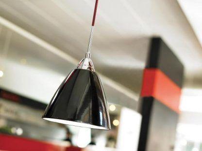 czarna lampa wisząca w połysku nowoczesna