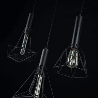 czarna lampa wisząca z drucianymi kloszami