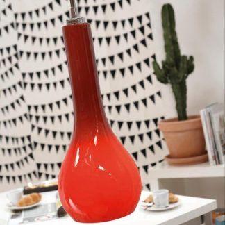 czerwona lampa wisząca do kuchni nad stół