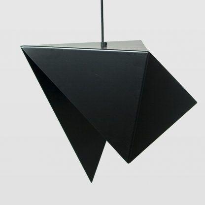 dekoracyjna lampa wisząca blaszana - dziwny i ciekawy kształt