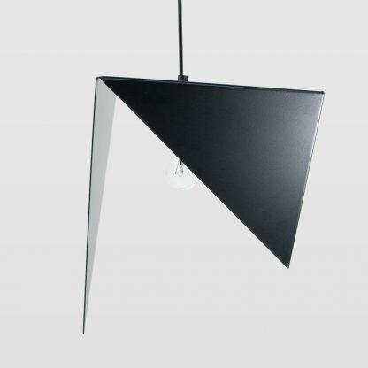 designerska ale oryginalna lampa wisząca trójkątna