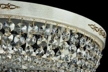 Drewniany plafon z kryształkami