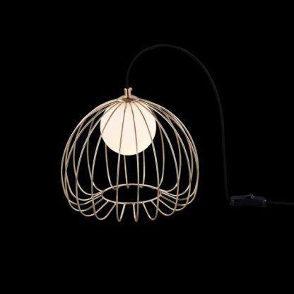 druciana lampa z mosiężnych drucików - złota z kulą
