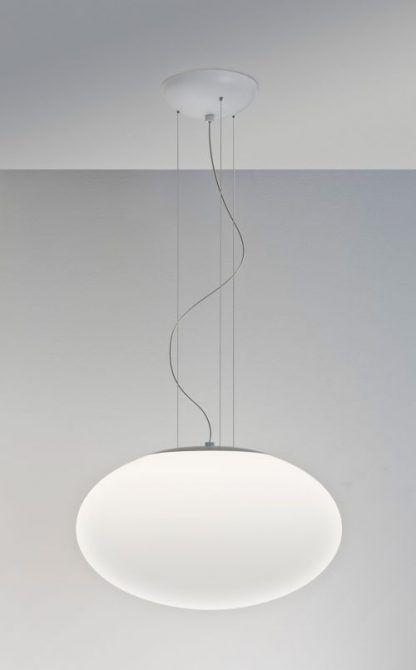 duża lampa wiszaca ze szklanym białym kloszem