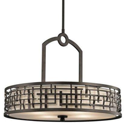 duża okrągła lampa wisząca w brązowej dekoracyjnej ramie