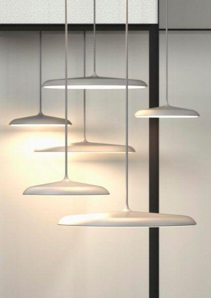 duże lampy wiszące nad stół płaski klosz