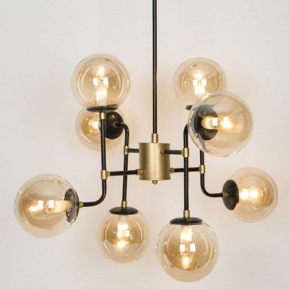 efektowna lampa wisząca klosze beżowe szkło