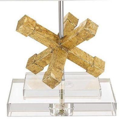 Geometryczna rzeźbiona złota podstawa lampy salon