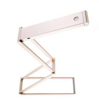 Geometryczne złote wykończenie lampy na biurko