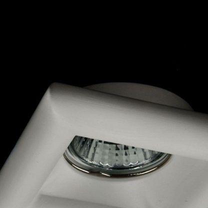 gipsowe oczko sufitowe w ramce kwadratowej