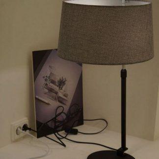 czarna lampa stołowa z szarym abażurem