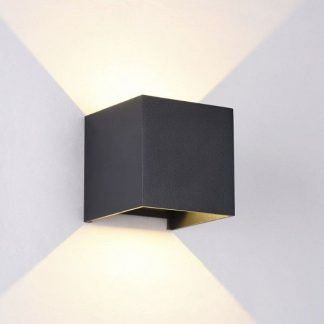 jak wygląda zapalony kinkiet - czarny nowoczesny design