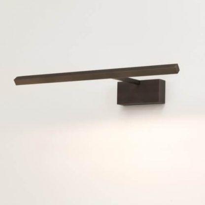 brązowy podłużny kinkiet nad lustro - nowoczesne łazienkowe led