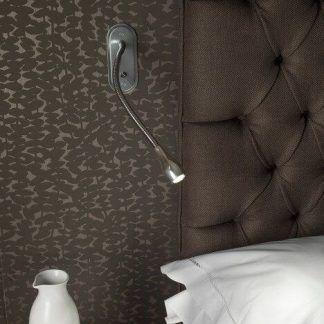 kinkiet do sypialni na ścianę z tapety - oczko na ramieniu giętkim