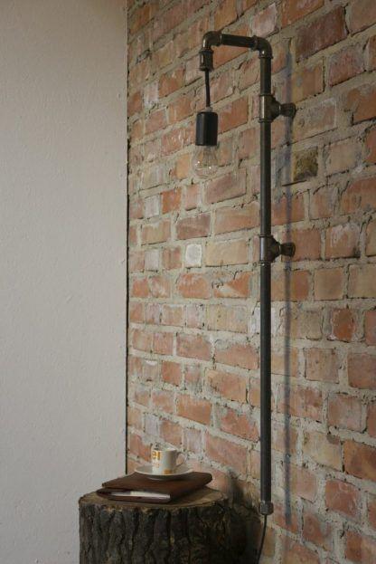 kinkiet industrialny ze stalowej rury do cegły