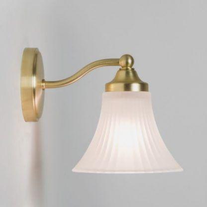 kinkiet złoty z kielichowym szklanym kloszem - nowoczesny