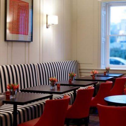kinkiety do restauracji lub baru nad stoliki