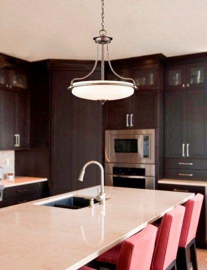 klasyczna lampa wisząca do kuchni aranżacja
