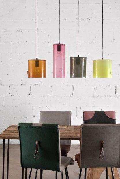 kolorowe lampy wiszące nad stół aranżacja