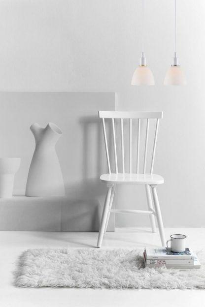 komplet dwie lampy wiszące białe aranżacja salon