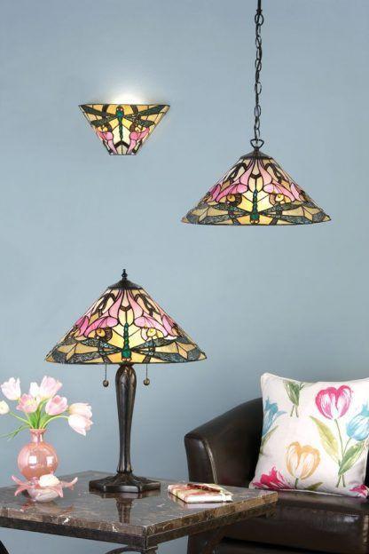 komplet lamp witrażowych do salonu błękitne ściany