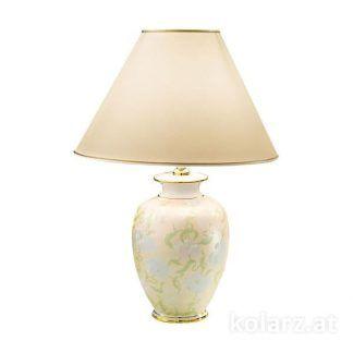 kremowa lampa stołowa do klasycznego salonu