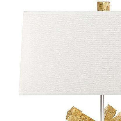 Kremowy abażur w lampie stołowej do salonu