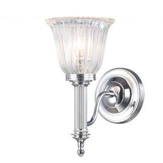 kryształowy kinkiet ze srebrnym ramieniem do salonu