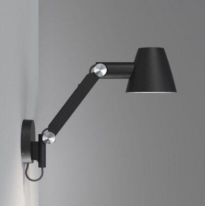 lampa biurkowa wieszana na ścianie nad stołem - czarna nowoczesna
